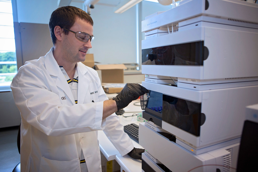 Hahn, working in Morphic Therapeutic lab